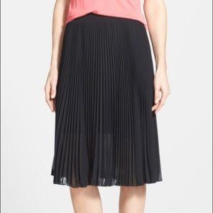 Vince Camuto Black Essentials Pleated Midi Skirt L
